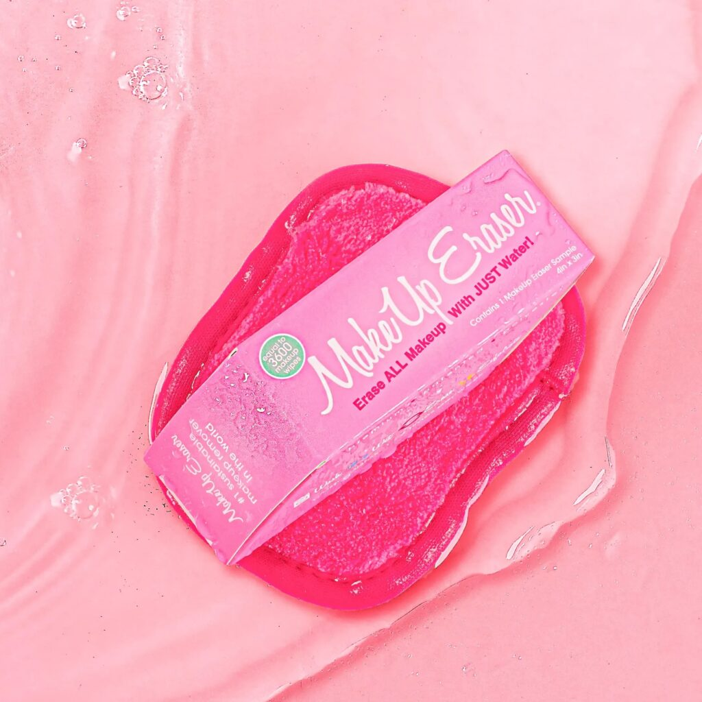 order a free reusable makeup eraser sample to remove makeup in sustainable way